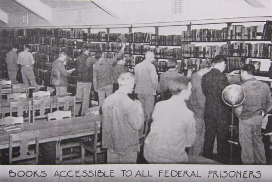 federal-prison-library-550x369.jpg?53433